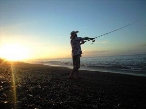 釣り人の背中の痛み