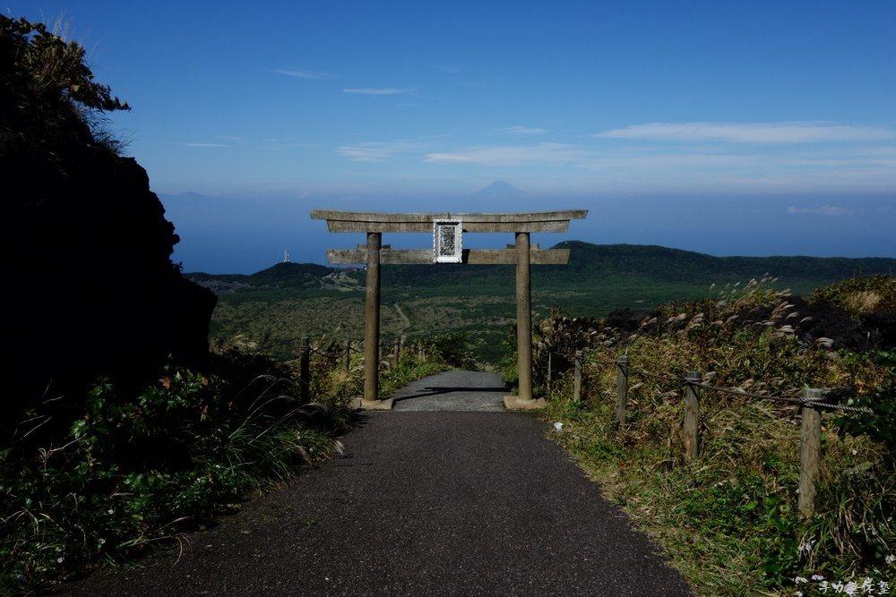 三原神社と富士山