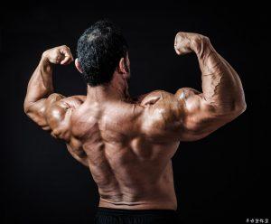 継続的な筋肉の緊張が痛みの元凶!半端に続く緊張はこうやって解くのだ