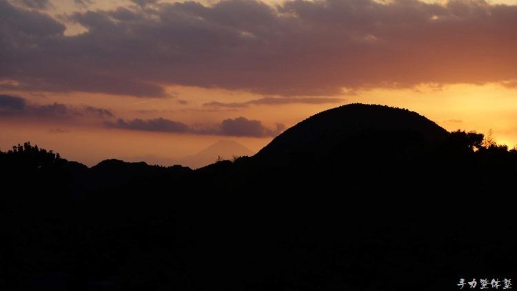 津辺野山越しの富士山